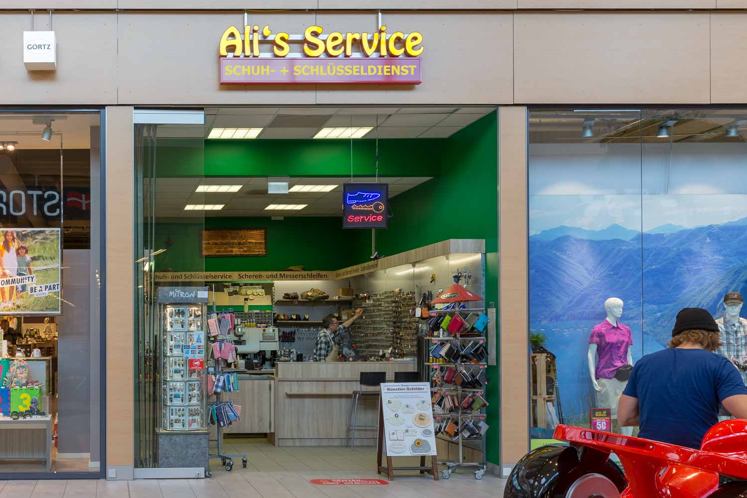 Alis Service im LUV SHOPPING in Lübeck