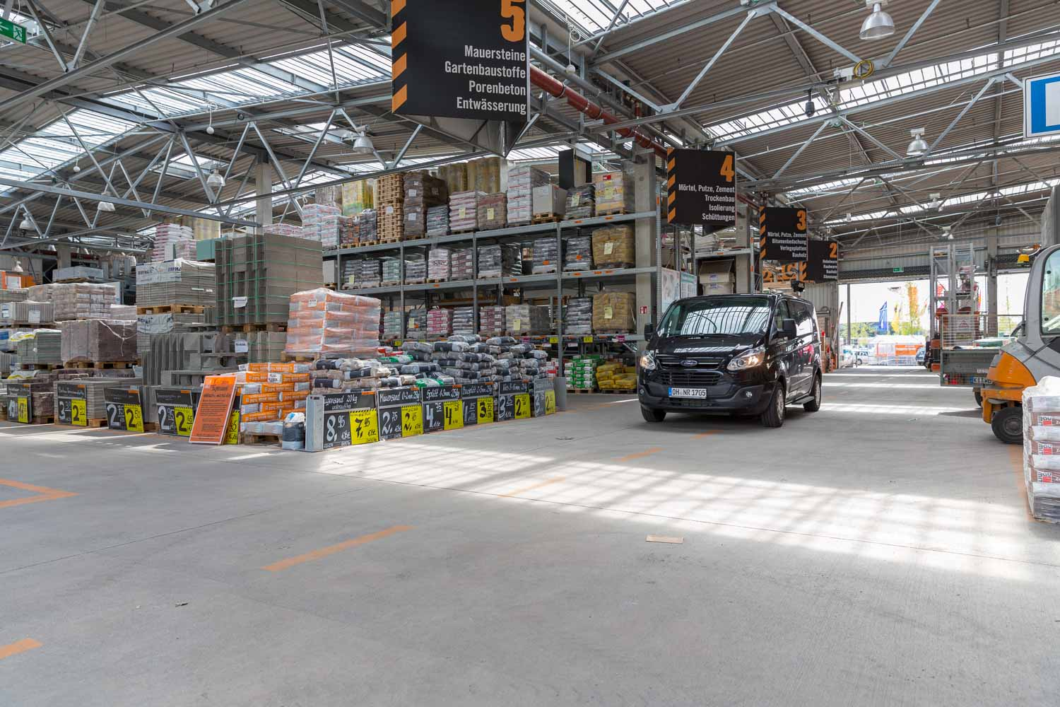Hornbach beim LUV SHOPPING in Lübeck