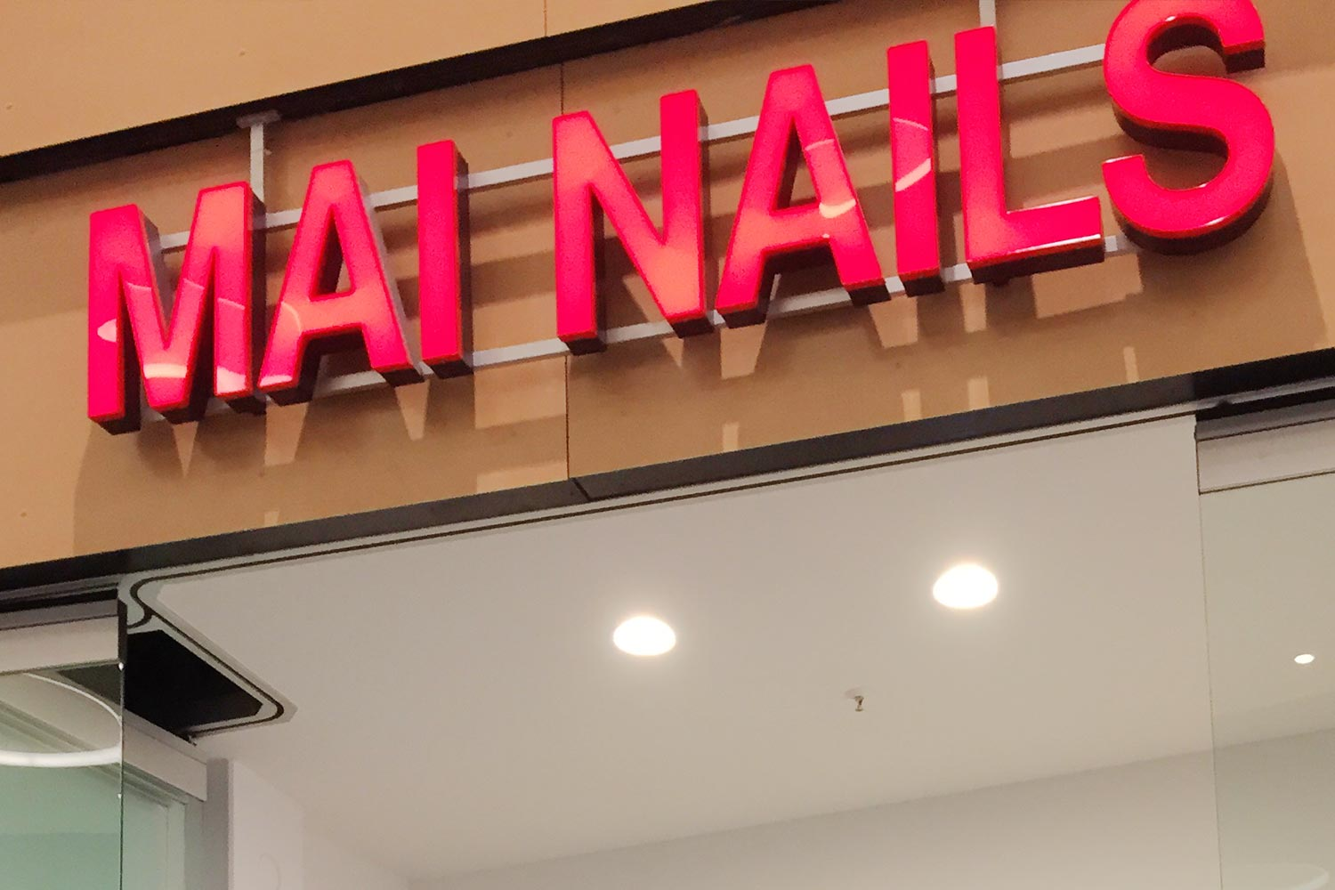 Mai Nails im LUV SHOPPING in Lübeck